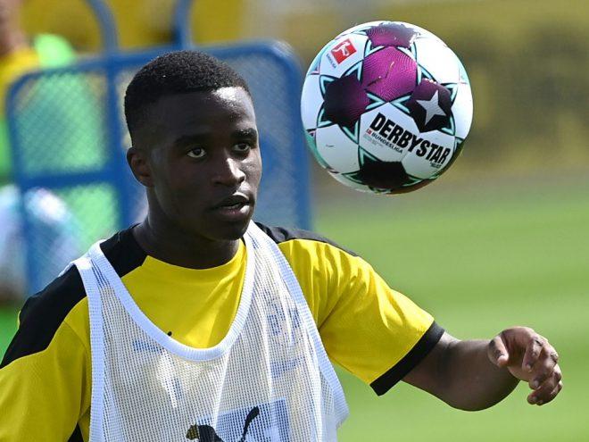 Moukoko jetzt jüngster Bundesliga-Spieler der Geschichte