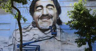 Riesige Malerei in Boca zu Ehren Diego Maradonas