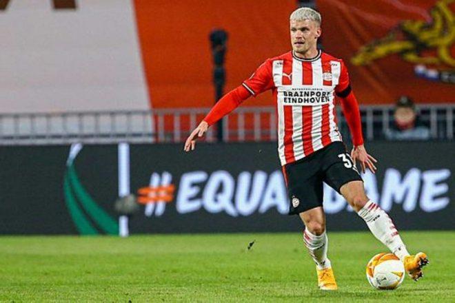 Einhoven und Max bleiben an Ajax dran