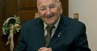 DFB-Ehrenpräsidenten Braun feiert seinen 96. Geburtstag