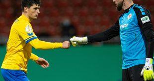 Braunschweig siegt mit 2:0 gegen Regensburg