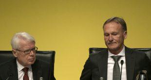 Watzke (r) kann sich  eine Zukunft beim BVB vorstellen