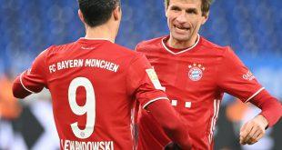 Müller (r) steht gegen den BVB in der Startelf