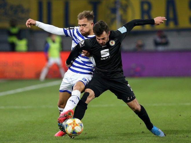 Braunschweig verlängert Vertrag von Niko Kijewski (r.)