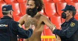 Beim FC Granada sorgte ein Flitzer für Aufregung