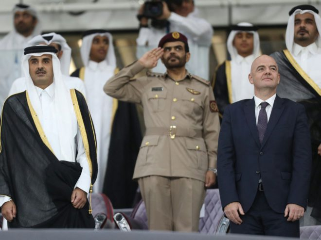 FIFA-Präsident Gianni Infantino (r.) in Katar