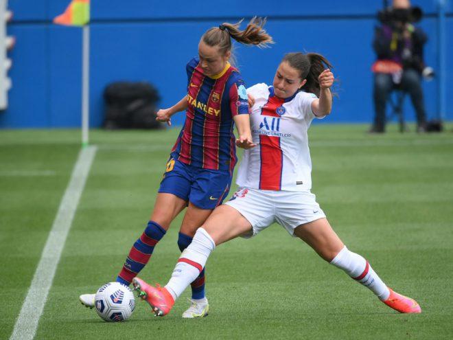 Sara Däbritz (r.) im Spiel gegen den FC Barcelona