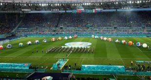 Die Fußball-Europameisterschaft startet mit bunter Show