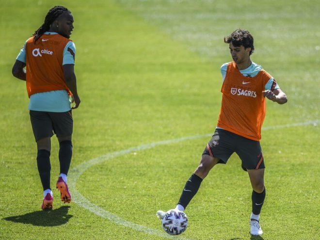 Joao Felix (r.) kann gegen Deutschland nicht spielen