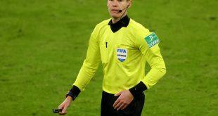 Daniel Siebert pfeift Schottland gegen Tschechien