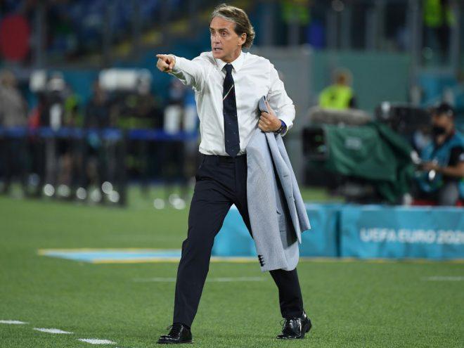 Roberto Mancini steht mit Italien im EM-Achtelfinale