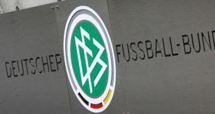 DFB-Arzt Tim Meyer lobte die Hilfekette bei Eriksen