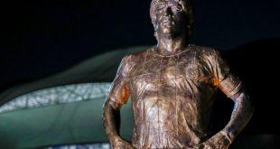 Nicht nur als Statue noch präsent: Diego Maradona