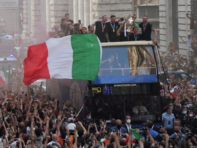 Zehntausende Fans feierten die EM-Helden in Rom