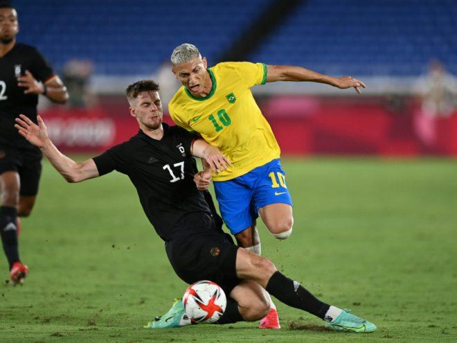 Deutschland verliert  Auftakt gegen Brasilien