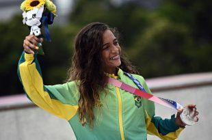 Rayssa Leal erhält Lob von Brasiliens Fußball-Ikonen
