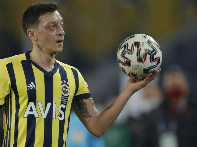 Mesut Özil will der Region Antalya helfen