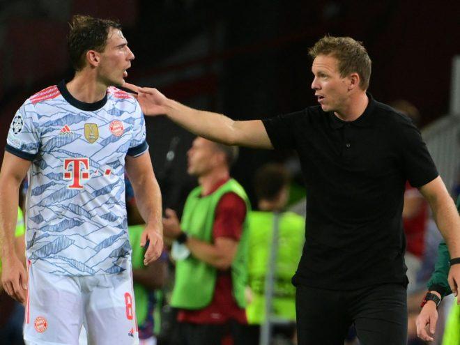 Bayern-Coach Nagelsmann (r.) bleibt zurückhaltend