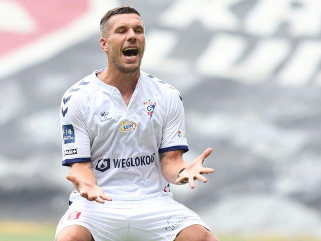Podolski hält nichts von einer WM alle zwei Jahre