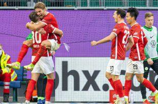 Der SC Freiburg jubelt auch in Wolfsburg